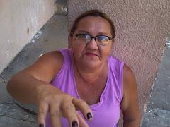 Quem quer comprar dindin, bombons, pirulito, pipocas e outras coisas compre a Ana do Dindin........