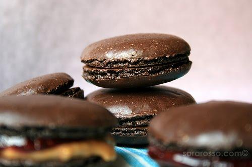 http://3.bp.blogspot.com/_RKYbruivxSg/S_shzHzt6mI/AAAAAAAAAGI/6uMyStcV5Mw/s1600/macarons-chocolate.jpg