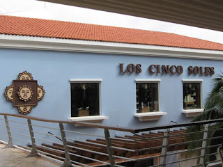 Los Cinco Soles shop