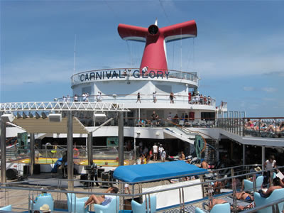 Carnival Glory pool and live entertainment stage