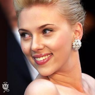 Scarlett Johansson se caso en secreto y avisó a los suyos por SMS