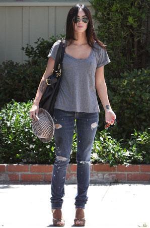 http://3.bp.blogspot.com/_RMM5j0PrdB0/SpzUSnzaEWI/AAAAAAAABwI/0euMLTCrvNw/s400/Megan+Fox+megan+fox+pictures+80%E2%80%99s+fashion+eighties+fashion.JPG