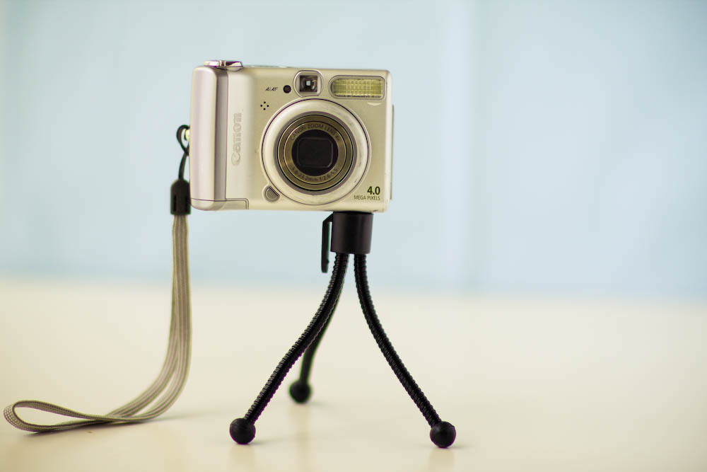 Point and Shoot Camera, Mini Tripod