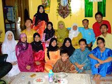 bersama adik2,sepupu perempuan dan lelaki..