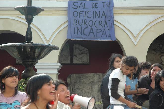 Manifestación en la Escuela de Bellas Artes