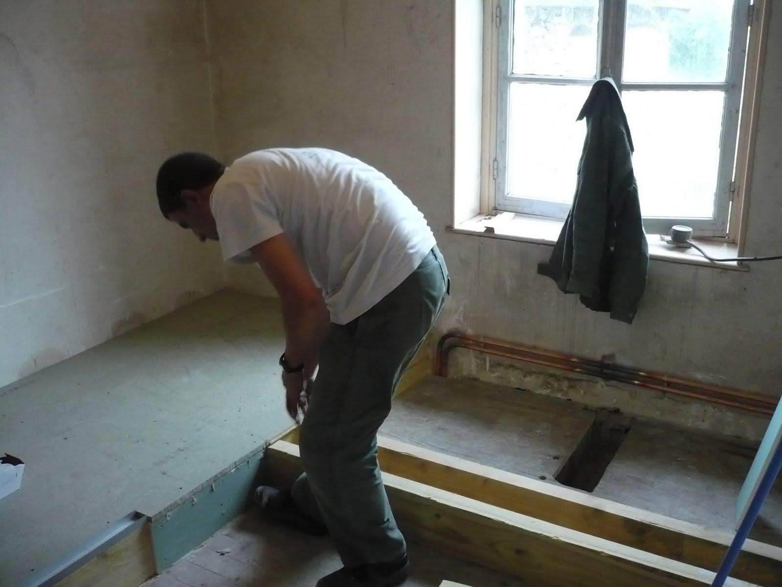 R novation maison briarde cr ation d 39 une salle de bain for Creer une estrade salle de bain