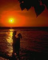 par de amantes en el mar de amor