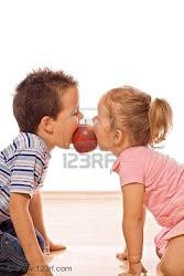 en tu boca mordí la manzana carmín del deseo y la tentación ♪