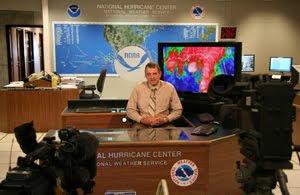 NOAA NHC: Sturmbeobachtung und Sturmwarnung ab sofort 12 Stunden früher als bisher (englisch), aktuell, Hurrikansaison 2010, Vorhersage Forecast Prognose,