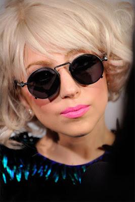Lady Gaga finale Version neue Single Bad Romance anhören