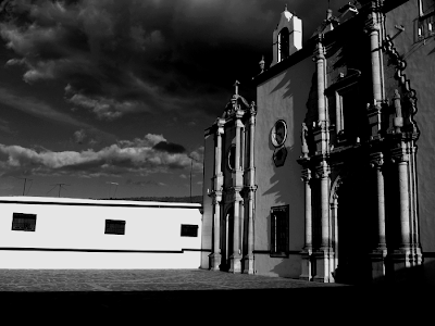 Kirche gruselig in Real de Asientos mitten am Nachmittag
