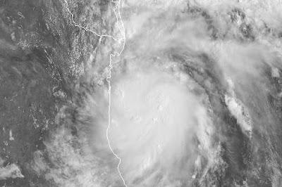 Atlantik aktuell: Tropischer Sturm HERMINE im Golf von Mexiko bedroht Tamaulipas (Mexiko) und Texas (USA), Hermine, 2010, aktuell, Atlantik, Hurrikansaison 2010, Mexiko, Sturm, Tamaulipas, Texas, USA, Vorhersage Forecast Prognose, Zugbahn, Hurrikan Satellitenbilder,