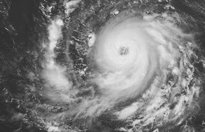 Atlantik aktuell: Hurrikan IGOR jetzt Kategorie 2 Saffir-Simpson & Tropischer Sturm JULIA macht sich auf den Weg, 2010, aktuell, Atlantik, Hurrikan Satellitenbilder, Hurrikansaison 2010, Igor, Julia, Tropische Depression, Vorhersage Forecast Prognose, Zugbahn,