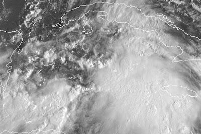 Atlantik aktuell: Tiefdruckgebiet 96L (potenziell Tropensturm NICOLE) vor den Cayman Islands, Kuba und Jamaica, Nicole, Kuba, Cayman Islands, Jamaika, 2010, aktuell, Atlantik, Hurrikansaison 2010, Karibik, Sturmflut Hochwasser Überschwemmung, Live Stream Satellitenbild, Florida, USA, Bahamas,
