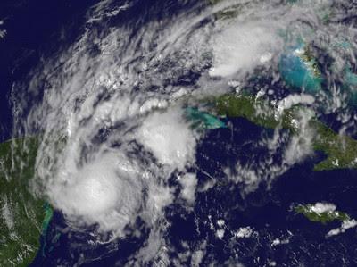 Update Hurrikan PAULA: Drastische Aenderung der Prognose - leichte Entspannung an der Riviera Maya (Yucatán, Mexiko) und Sorgen auf Kuba , 2010, Atlantik, Kuba, Karibik, Riviera Maya, Paula, Playa del Carmen, Yucatán, Zugbahn, Vorhersage Forecast Prognose, NASA, Hurrikansaison 2010, Cozumel, Cancún,