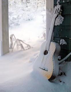 Snow-thing Compares 2 U