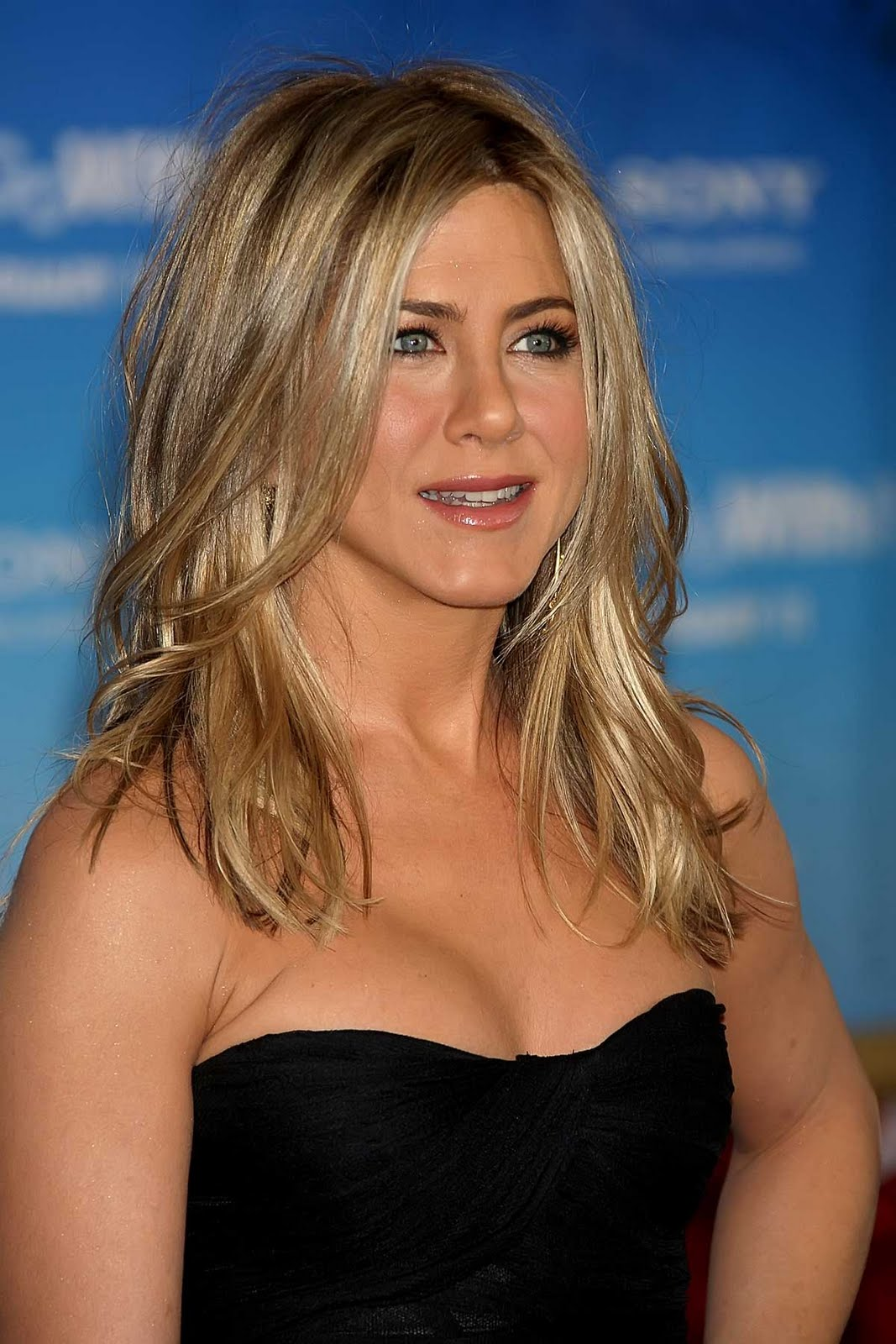 jennifer aniston 2019
