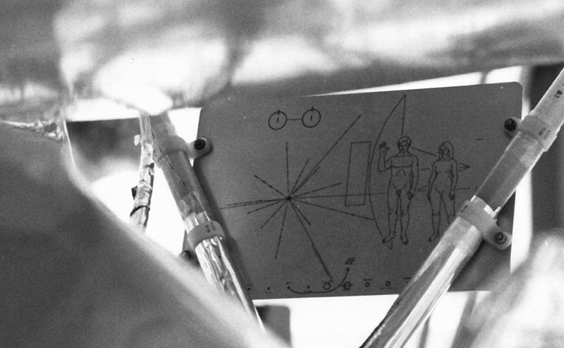 space probe pioneer 10 plaque - photo #39