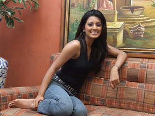 Bollywood Actress Geeta Basra Pics