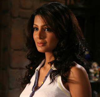 Geeta Basra Photo
