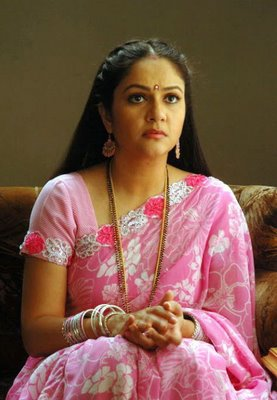 Gracy Singh In Saree