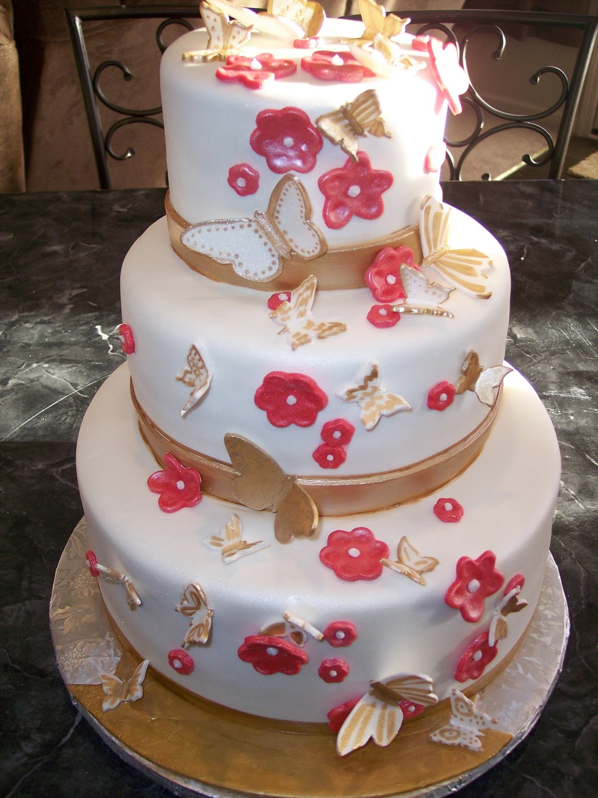 MyMoniCakes Gold Butterflies and Flower cake