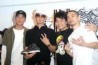 Vanness Wu (second from left) & Nicky Lee (second from right)