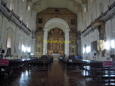 Inside the Se Cathedral in Goa