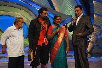 Remo with his parents on the sets of Zee TV's Dance India Dance
