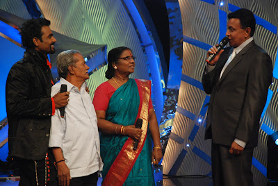 Remo with his parents on the sets of Dance India Dance on Zee TV
