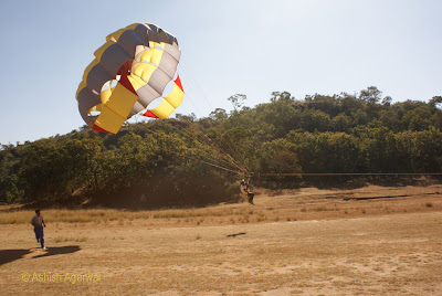 Starting the trip to the sky while para-sailing in Pachmarhi