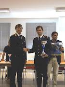 Col. Donati Comandante Polizia Urbana di Bari, premia un tiratore scelto