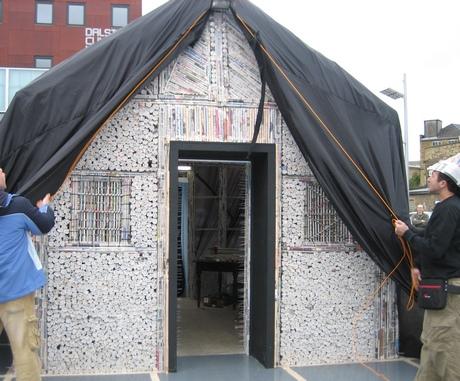 casa+jornal Projeto faz Casa com Papel e Jornal Reciclado