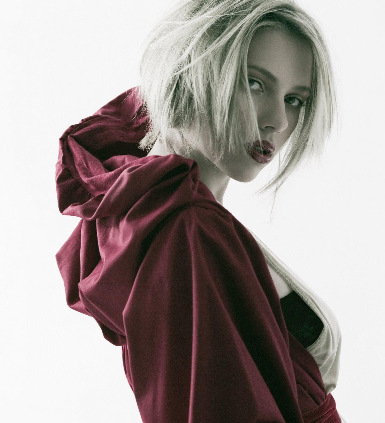 http://3.bp.blogspot.com/_Re4Re4Ky0OY/RastObN0TpI/AAAAAAAAAp0/PqCQDpnfV1s/s1600/20061120-Scarlett.Johansson.by.Sheryl.Nields.HQ.03.jpg