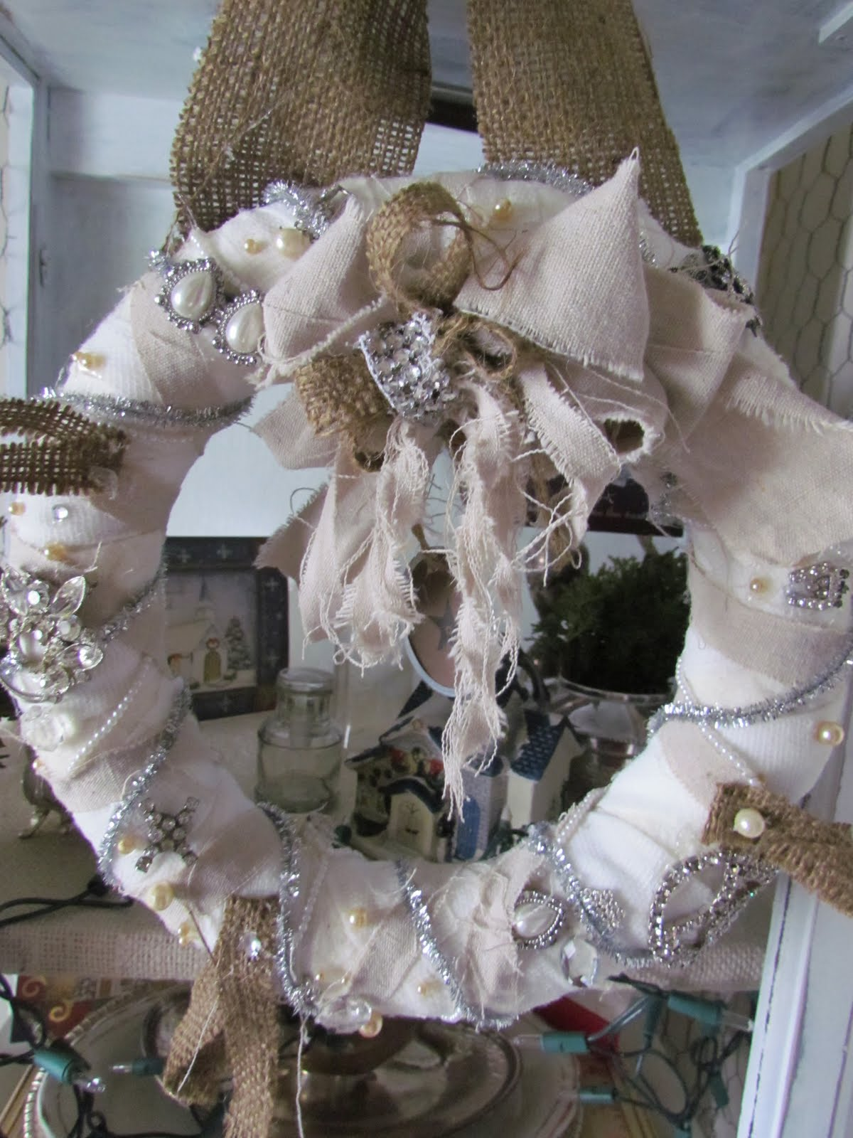Crystalscreations christmas wreath fabric scraps and vintage elements - Admirable christmas wreath decorating ideas to welcome the december ...