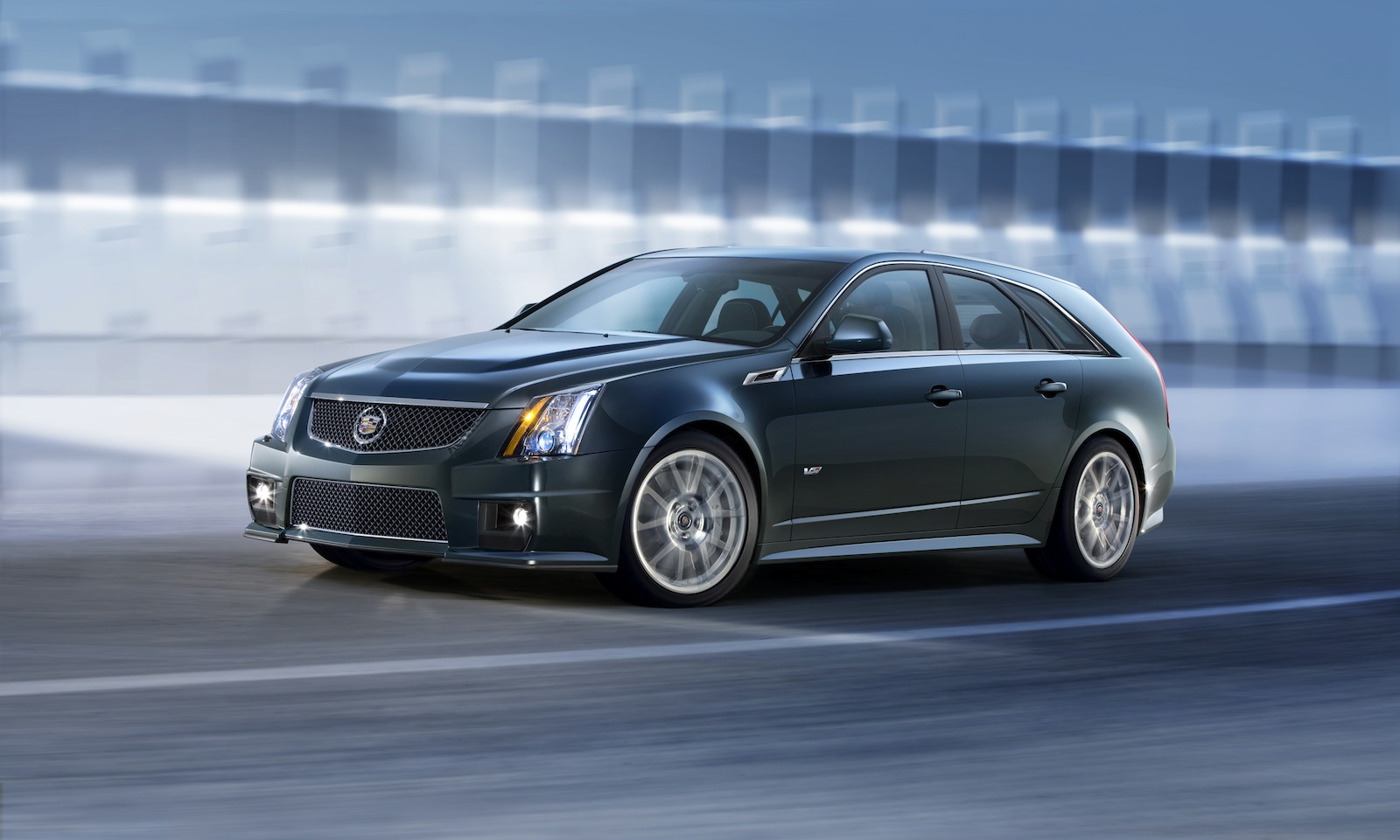 Road Car Pictures 2011 Cadillac CTS V Sport Wagon