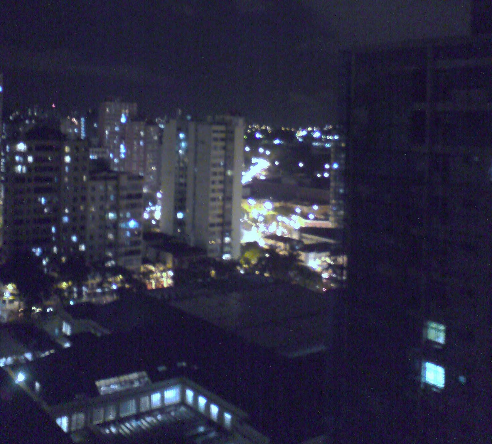 #2179AA Belo Horizonte (MG) O andar das horas O mundo é plano 514 Janelas Em Aluminio Belo Horizonte