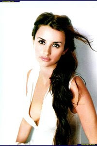penelope cruz breast exposed