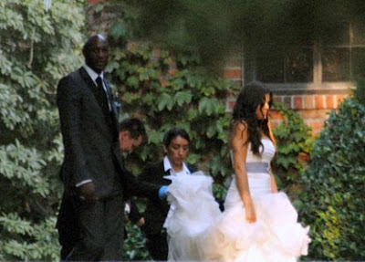 Khloe Kardashian Wedding Dress 01