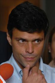 UNT niega la expulsión de Leopoldo López, pero él la ratifica