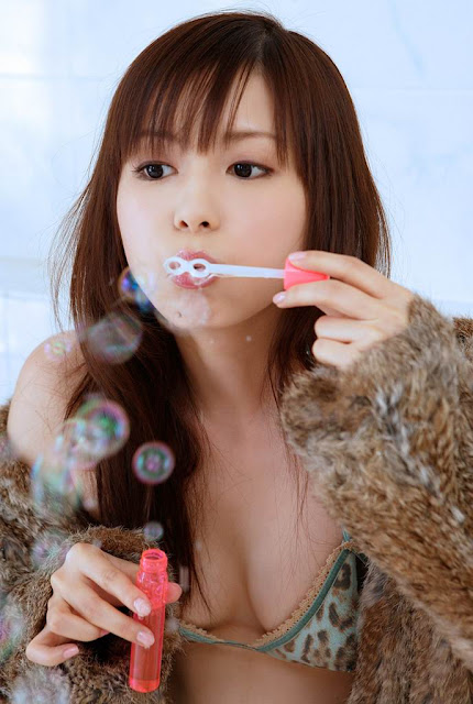http://ookkk.blogspot.com/2011/03/shoko-nakagawa.html