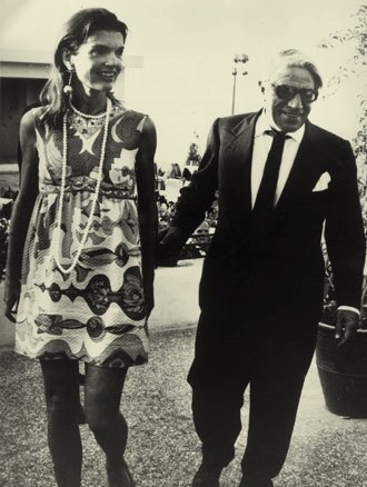 Couture Allure Vintage Fashion Jacqueline Kennedy Marries Aristotle Onassis In Valentino 1968