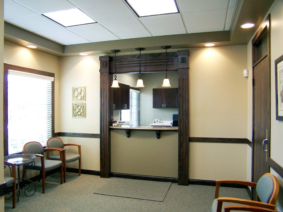 Oral Surgery Center   Waiting And Reception Area