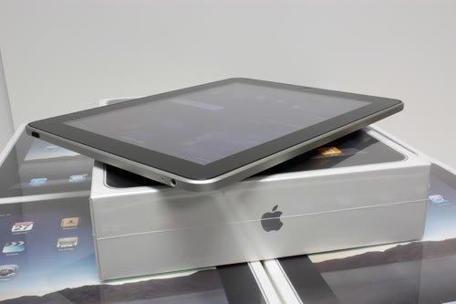 Apple iPad 18Gb (Wi-Fi and 3G)