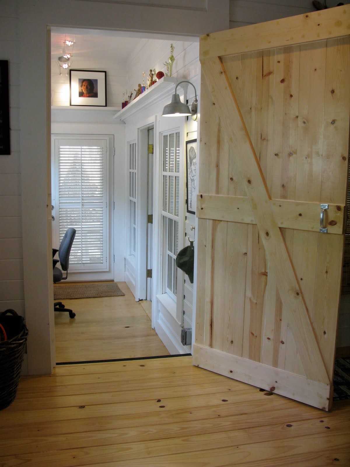 jvw home barn door bedroom