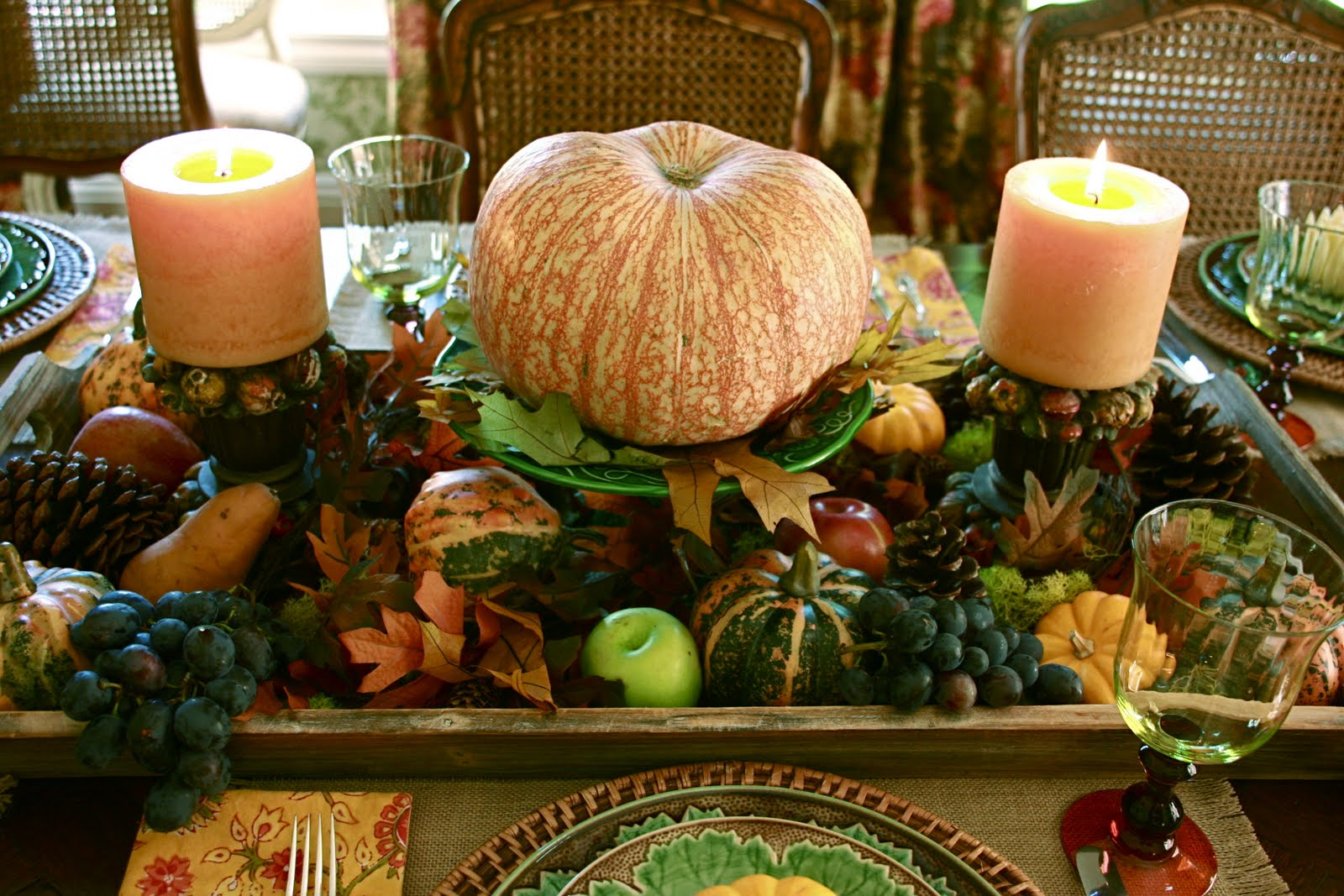 Vignette design an autumn tablescape for Fall table