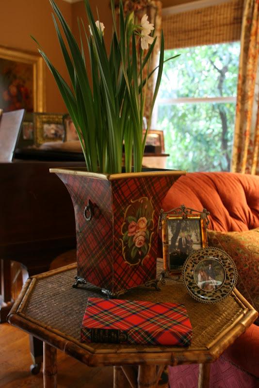 vignette design mad about tartan plaid. Black Bedroom Furniture Sets. Home Design Ideas