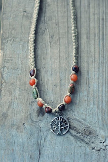 wood700 - Tree of Life Hemp Necklace Review