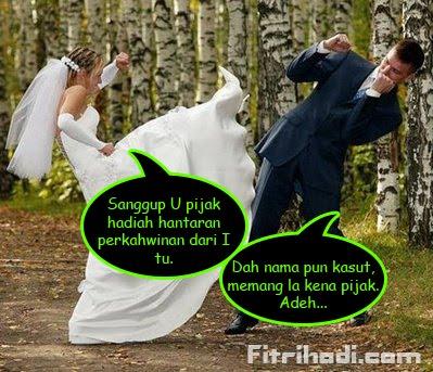 perempuan tendang pengantin lelaki kahwin gaduh sepak