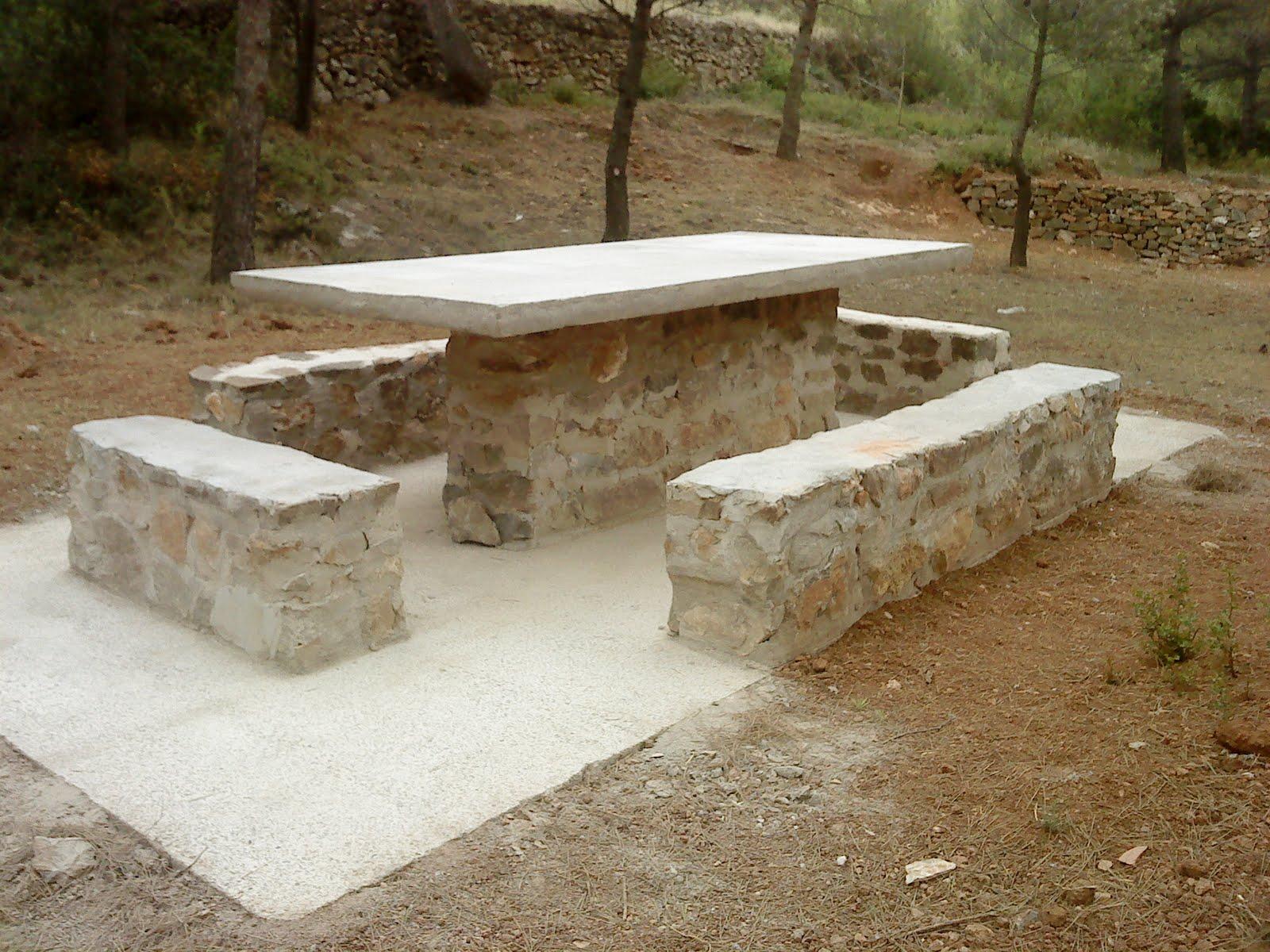 Taller de empleo alba iler a de piedra en seco de - Mesas de piedra para exterior ...
